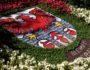 Blumenschmuck in Form des Meraner Wappens