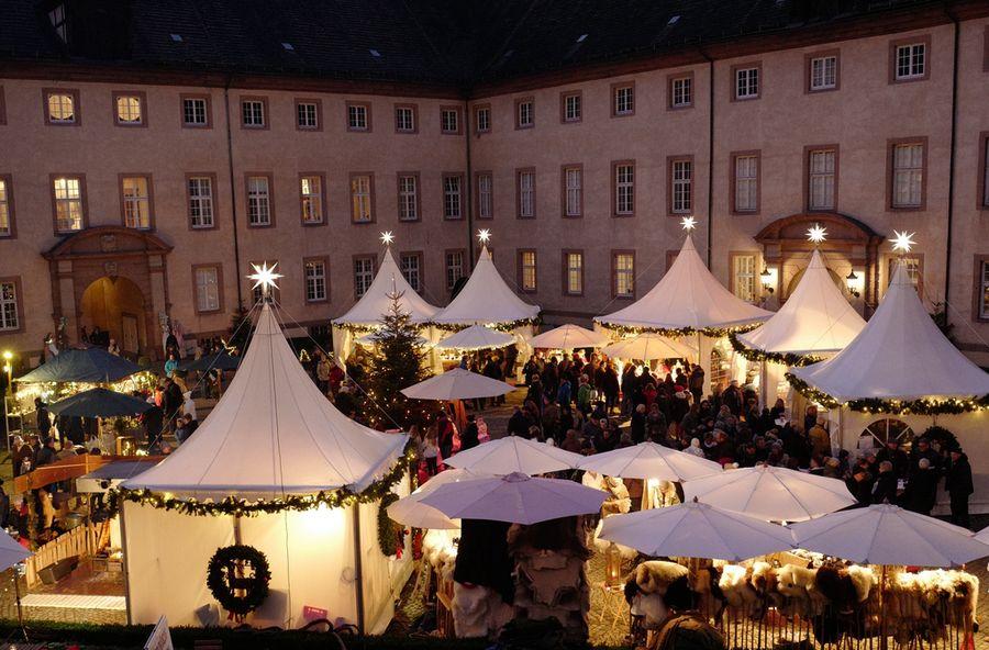 Weihnachtsmarkt auf dem Schloss Corvey