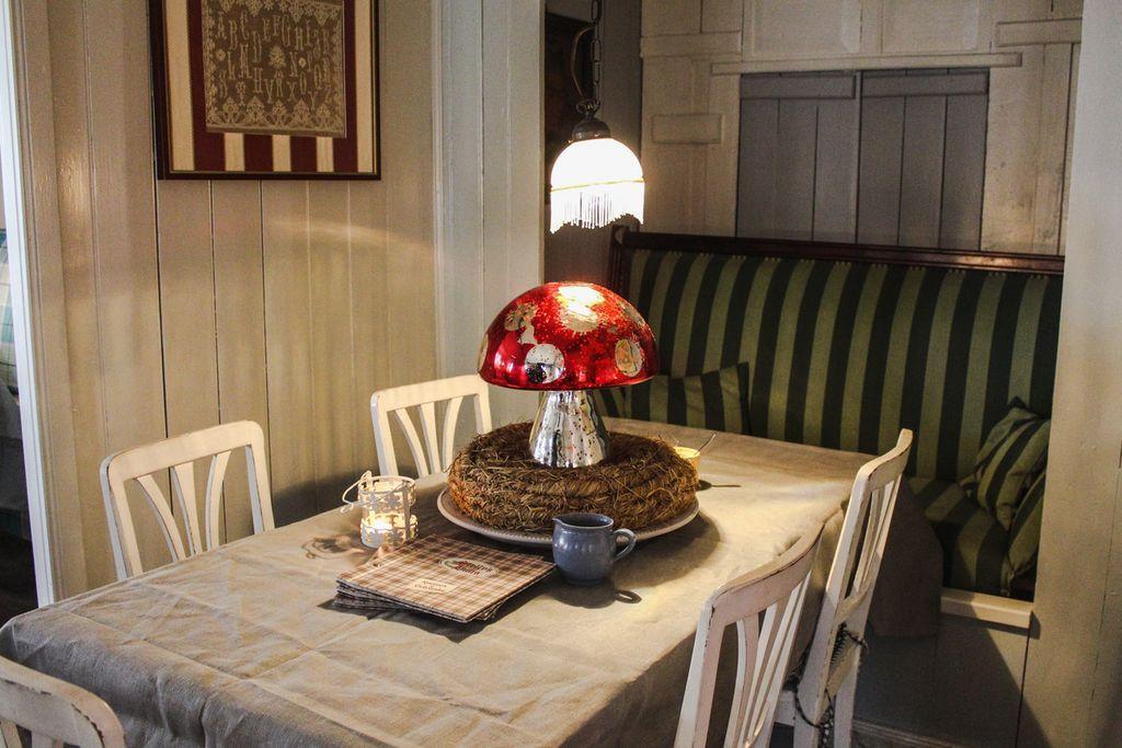 Herbstliche Tischdecko im Café Stelly`s Hüüs in Oldsum auf Föhr